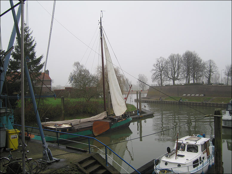 Harbour with Tjalk